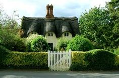 English gardens usually boast a perimeter of hedges!