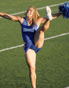Interesting Cheerleader no panties nude pic
