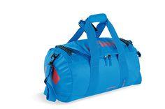 Was haben ein LKW und die Tatonka Barrel S Reisetasche gemeinsam? Bei beiden wird das gleiche Material verwendet - doch nur eine von ihnen hat Rucksackträge