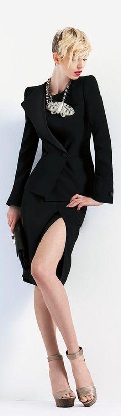 Giorgio Armani Resort 2011 Fashion Show