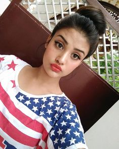 Image may contain: 1 person, selfie and closeup Stylish Girls Photos, Stylish Girl Pic, Girl Photos, Beautiful Girl Indian, Beautiful Girl Image, Cute Girl Pic, Cute Girls, Desi Girl Selfie, Girl Attitude