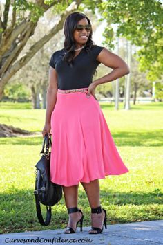 Curves and Confidence | T Shirt - Target | Skirt - F21 | Necklace - Wrist Soiree | Sandals - Deb Shops |
