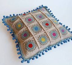 Transcendent Crochet a Solid Granny Square Ideas. Inconceivable Crochet a Solid Granny Square Ideas. Crochet Cushion Pattern, Crochet Pillow Cases, Crochet Cushion Cover, Crochet Motifs, Crochet Squares, Crochet Granny, Knit Crochet, Love Crochet, Crochet Patterns