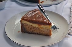 Incrível cheesecake de doce de leite em duas camadas! Vai resistir?