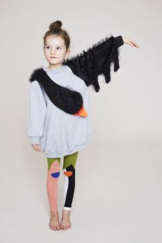 Kids on Share Sunday Bang Bang Copenhagen Black Swan Dress – Apple and the Tree Fashion Kids, Little Fashion, Apple Dress, Leila, Outfits Niños, Kid Styles, Kind Mode, Kids Wear, Baby Dress