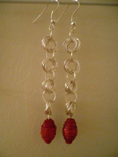 moebe chain with red bead