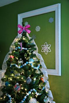 IHeart Organizing: Dreamy Christmas Tree - one of the most beautiful trees I've ever seen!!