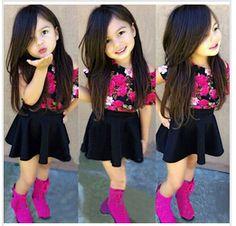 Pas cher Nouveaux vêtements Girl Set enfants été décontracté à manches courtes T shirt + jupe de couleur unie costume deux pièces Floral définit ensembles de vêtements pour enfants, Acheter Tenues de qualité directement des fournisseurs de Chine: Taille: 2/3/ 4/5 / 6 t t -shirt + jupe = 1, affecte