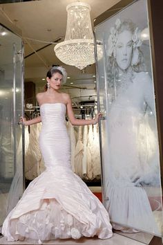 10 things to know before you buy a wedding gown