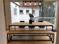 De mooie tafels van onze klanten. Houten tafels met stalen onderstel, industriële interieurs en maatwerk. | Pure Wood Design. Industriële en Scandinavische design meubelen.