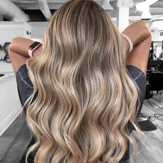Brown with Blonde Highlight Hairstyle the Foolproof Way to Go From Brown to Blonde Hair Blonde Hair Shades, Brown Hair With Blonde Highlights, Dyed Blonde Hair, Blonde Hair Looks, Brown Hair Balayage, Hair Color Balayage, Dark Hair To Blonde, Blonde Hair For Summer, Highlighted Blonde Hair