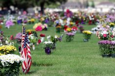Green Ways to Decorate Graves on Memorial Day