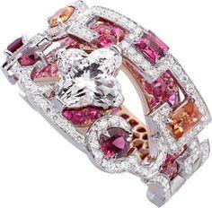 LOUIS VUITTON the spirit of travel shangai ring in white red gold, louis vuitton diamonds, diamonds, spinels spessartits.
