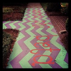 Chalk up your sidewalk entrance to the house!