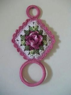 Towel hanger-pic only Crochet Owls, Crochet Motif, Crochet Doilies, Crochet Flowers, Crochet Baby, Knit Crochet, Crochet Kitchen, Crochet Home, Crochet Crafts