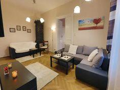 Krakov ubytovanie v centre mesta Centre, Couch, Furniture, Home Decor, Homemade Home Decor, Sofa, Couches, Home Furnishings, Sofas
