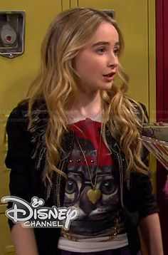 Maya's cat with glasses and hat tee on Girl Meets World.  Outfit Details: http://wornontv.net/35751/ #GirlMeetsWorld