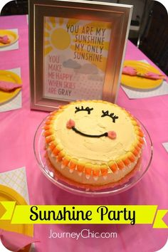 Easy Sunshine Party: Homemade sunshine cake and party decorations