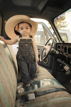 1st Birthday Photo *By Hilary Starnes* my baby boy is famous    This is such a great picture!