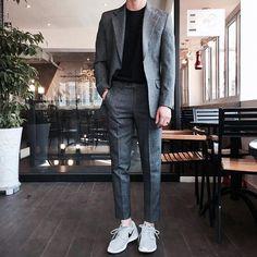 Outfit korean fashion men, mens fashion suits, m Korean Fashion Men, Mens Fashion Suits, Trendy Fashion, Trendy Style, Style Fashion, Style Men, Korean Men Style, Men Fashion Casual, Mens Suits Style