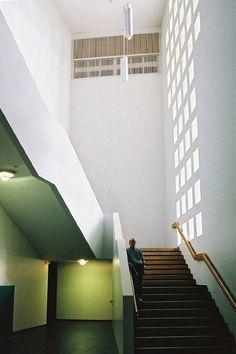 59-Lahti の教会 : 北欧建築ゼミ アアルト Alvar Aalto, Home Studio, Stairs, House Design, Interior Design, Architecture, Decoration, Places, Travel