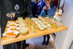 Assortment of organic and hot appetizers presented on tray /// Assortiment de zakkouskis bio et chauds présentés sur plateau Bio, Table Decorations, Furniture, Home Decor, Tray, Homemade Home Decor, Home Furnishings, Interior Design, Home Interiors