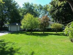 1049 Whalen Rd, Penfield, NY 14526