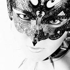a slightly gothic mask.....