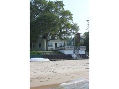 Caseville, MI Vacation Rental - Sandpoint Beach Front Property- Lilly Pad - Booking for 2014 & 2015 - RentalBug.com