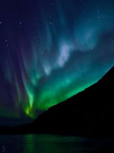GIF of the Aurora borealis - I saw it many times when I lived in Alaska, it truly is amazing and beautiful!