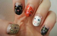 Diseños de uñas con animales e insectos, diseño de uñas con animales gatos.   #uñasdemoda #nailsCLUB #uñasfinas