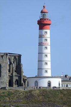Photos of Saint-Mathieu Feu Posterieur light - AIS Marine Traffic