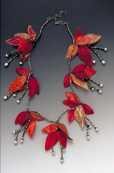 Necklace   Carol Windsor.  Paper, silver  and pearls
