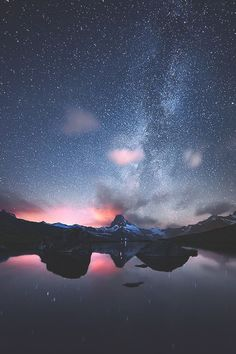 Find images and videos about beautiful, nature and sky on We Heart It - the app to get lost in what you love. January Wallpaper, Beautiful World, Beautiful Places, Sky Full Of Stars, New Backgrounds, Tumblr Wallpaper, Milky Way, Night Skies, Pretty Pictures
