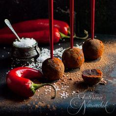 Пошаговый рецепт приготовления шоколадных трюфелей с солью и перцем