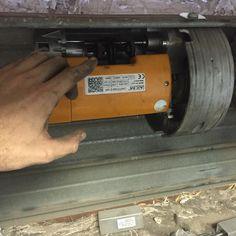 #cerrajeros #valencia. Cerrajeros de Valencia, cerrajeros en Valencia. Reparacion e instalación de motores para persianas metálicas las 24H. 603 909 909.
