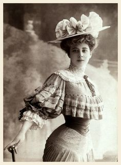 edwardianpromenade: — Mademoiselle Harlay (late 1900s)
