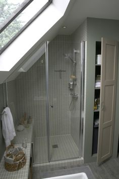 Attic Bathroom Ideas 6 - New house Loft Conversion - Loft Bathroom, Upstairs Bathrooms, Small Attic Bathroom, Bathroom Mirrors, Small Bathrooms, Bathroom Bench, Bathroom Faucets, Bathroom Interior, Attic Renovation