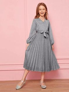 Blue Homecoming Dresses, Girls Formal Dresses, Special Dresses, Girls Fashion Clothes, Girl Fashion, Fashion Outfits, Cord Pinafore Dress, Kids Dress Wear, Beautiful Evening Gowns
