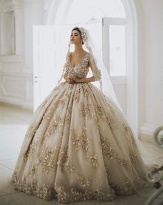 20 Gorgeous Colored Wedding Gowns Fit For A Classic Princess! 20 beautiful colored wedding dresses fit for a classic princess! Classic Wedding Dress, Dream Wedding Dresses, Gown Wedding, Ball Gown Dresses, Bridal Dresses, Colored Wedding Gowns, Princess Wedding, Bridal Lehenga, Beautiful Gowns