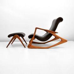 Vladimir KAGAN Walnut Lounge Chair and Ottoman 1950s.