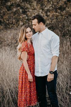 engagement photos, engagement photo ideas, couple poses, couple photo ideas, couple photography, engagement photography