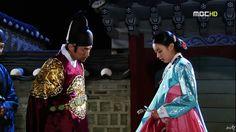 2010-07-12(¿ù)¿ÀÈÄ100233-cadtv11-1-hd_â»ç49Áֳâ_Ưº°±âȹ__µ¿ÀÌ_(ÔÒì¥).ts_000812211_shinhwa3303.jpg (800×449)임금과 잠 자리를 같이 하여 승은 상궁이된동이 Dong Yi (Hangul: 동이; hanja: 同伊) is a 2010 South Korean historical television drama series, starring Han Hyo-joo, Ji Jin-hee, Lee So-yeon andBae Soo-bin. About the love story between King Sukjong and Choi Suk-bin, it aired on MBC from 22 March to 12 October 2010 on Mondays and Tuesdays at 21:55 for 60 episodes.cal television drama series, starring Han Hyo-joo, Ji…