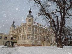Počasí v Ústí nad Labem – Počasí.cz Lab, Louvre, Snow, Building, Travel, Outdoor, Outdoors, Buildings, Labs