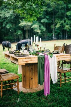 Boho wedding table: http://www.stylemepretty.com/little-black-book-blog/2015/02/18/southern-style-bohemian-wedding-inspiration/ | Photography: Kayla Coleman - http://kaylacolemanphotography.com/