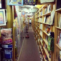 Awwww yeah, favorite bookstore!