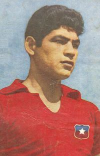 Carlos Martinez, Old Pictures, Fifa, Painting, Hs Football, Indian Drawing, Chewing Gum, Memories, Stars