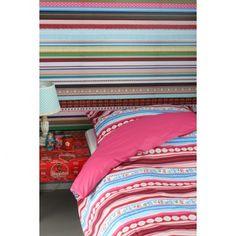 Studio Ditte behang Exclusief lintjes: vrolijk en lekker veel kleur! Leuk om te combineren met veel wit in de kamer, voor een mooi contrast.
