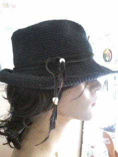 MARLY THIBES: Chapéu croche