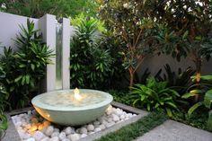 fountain via paradis express: Secret gardens of Sydney